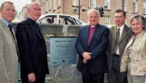 Archbishop Robin Eames (3rd right) Archbishop Seán Brady (2nd left) Victor Brownlees (Chief Executive of Armagh Council), Isaac Beattie (Mall Officer) and Primrose Wilson (Heritage Lottery Fund)